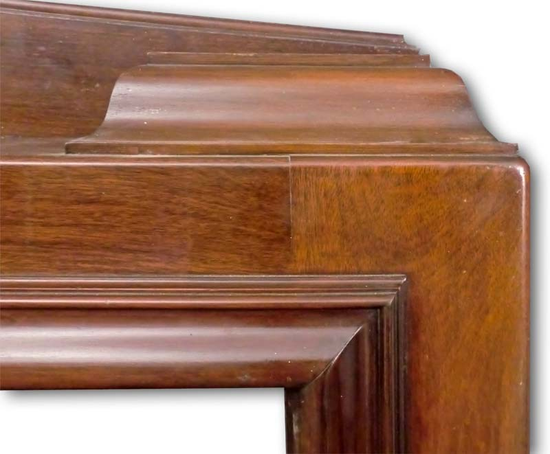 Fireplace mantel in Mahogany detail