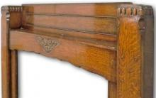 Arts and Crafts inspired mantel in oak frieze